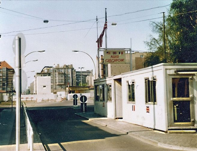 Checkpoint_Charlie1